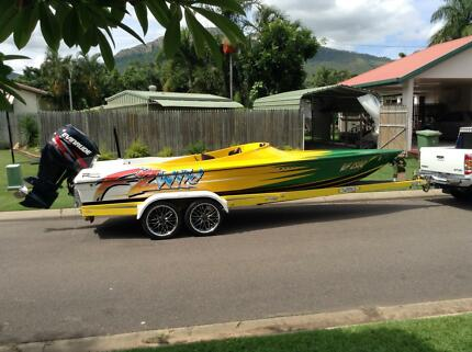 21ft Revolution ski boat similar to Haines hunter / Connelly North Ward Townsville City Preview