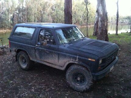 1985 Ford Bronco Wagon XLT