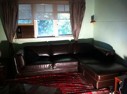 iTALIAN LEATHER COUCH WITH CHASE Narrogin Narrogin Area Preview