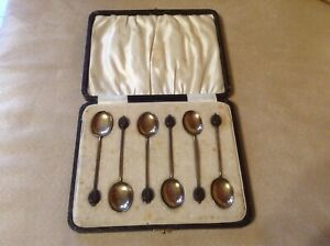 Silver enamelled vintage cased coffee bean spoon set circa 1935