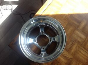"Mags I.t.p  12""  x 8"" Bolt pattern 4x117 neuf"