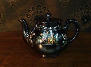 Vintage Japanese hand painted tea pot
