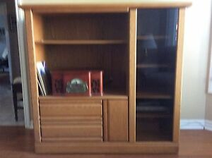 Oak hutch / Entertainment centre