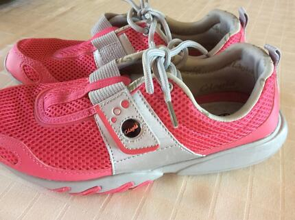 Glagla brand shoes, classic pink size 9 NEW, no box or tags.
