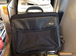 Targus laptop case with wheels and carry handle