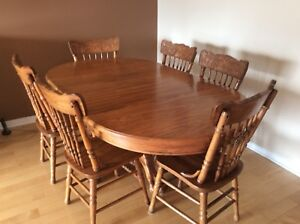 Dinning Room table with hutch