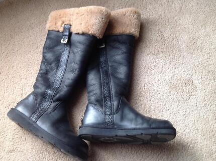 ugg boots (size 37) genuine leather (limited edition brown) Mount Martha Mornington Peninsula Preview