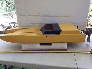 Model fibreglass catamaran , suit 3.5 cc motor. Willetton Canning Area Preview