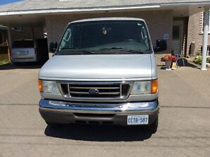 2006 Ford E-350 XLT Super Duty