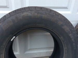 2 Michelin LT 265/70 R 17 truck tires