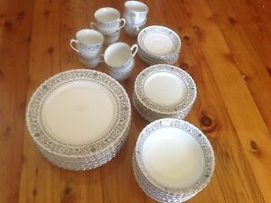 DINNER SET & GLASSES Gymea Sutherland Area Preview