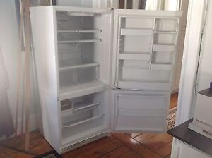 Sears Kenmore 18' Bottom Freezer Refridgerator