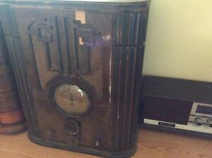 Nice antique radio for sale no power cord working ???