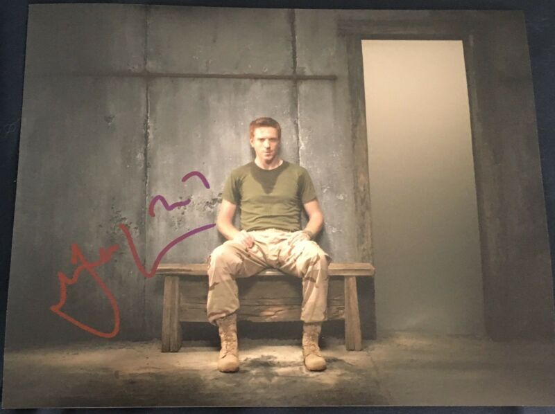 DAMIAN LEWIS SIGNED AUTOGRAPH CLASSIC HOMELAND POSE 8x10 PHOTO COA
