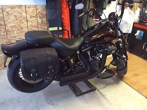 Mustang Vintage Solo Seats Harley Softail (FXST/FLSTF) 2006-2011