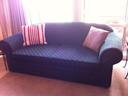 2 x 2.5 Seater Lounges in Excellent Condition