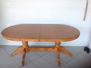 Solid timber oval extendable dining table Buderim Maroochydore Area Preview