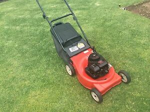 Mtd lawn mower 4 stroke good blades Wantirna South Knox Area Preview