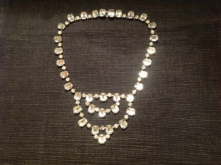 Vintage 1940s necklace Barham Wakool Area Preview