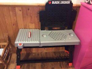 Établi black & Decker jouet