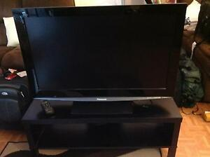 TELEVISION PANASONIC WITH TV STAND Cloverdale Belmont Area Preview