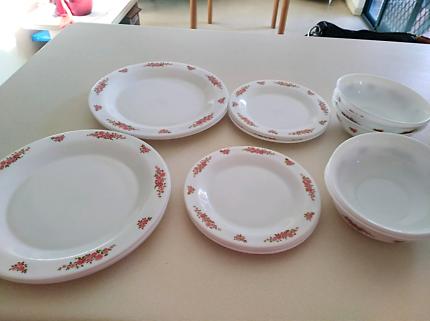 ARCOPAL DINNER SET - 80 matching pieces | Dinnerware | Gumtree ...