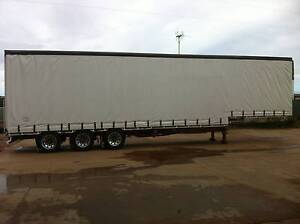 Refrigerated drop-deck curtainsider Irwin Area Preview