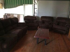 2 lounges used condition free Glenridding Singleton Area Preview