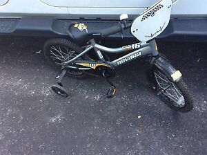 Novara Stinger Children's Bike w/training wheels - 16""