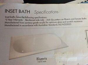 Brand New White Bath Maitland Maitland Area Preview