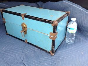 ANTIQUE MINI METAL TRUNK FOR DOLLS 75.00 OBO