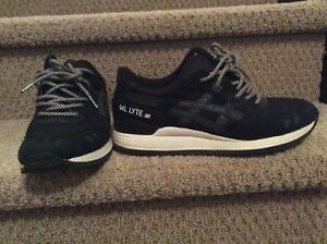 ASICS Gel Lyte III Size 9.5 Very Good Condition $60 or O.B.O