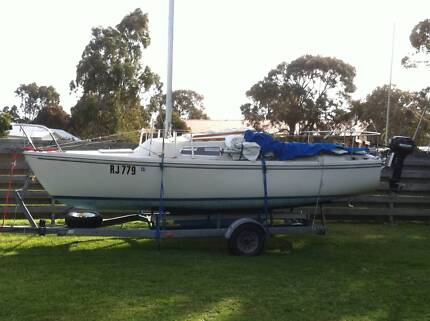 catalina 22 trailer sailer in gippsland can bring to melb