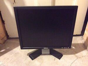 """17"""" Dell computer monitor"""
