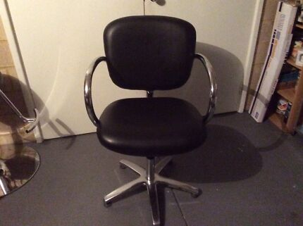 Comfortel hairdressing salon chair $70 Ono
