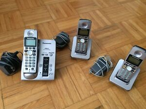 Panasonic cordless phone system with 3 handsets and answ machine