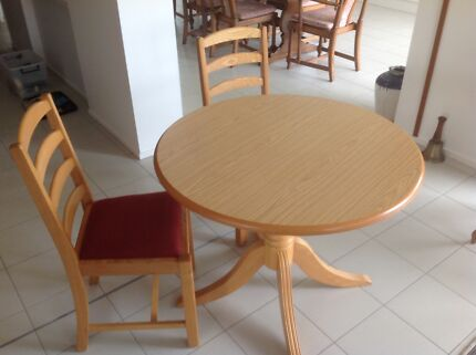 Table & and chairs
