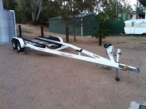 Speed  ski  wake boat - Domn8tor