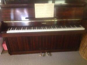Baldwin Monarch upright piano Orange Orange Area Preview