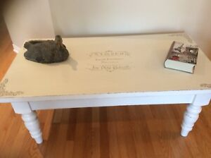 Gorgeous living room table refurbished.i don't deliver.Firm pric
