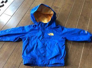 Manteau imperméable et coupe vent North Face 3-6 mois