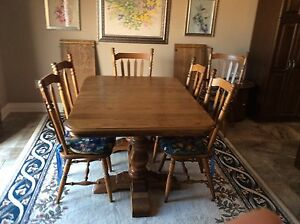 Solid Oak dinning table and chairs