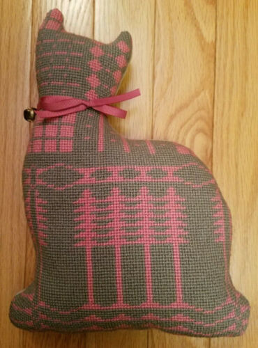 Beautiful !Gray & Pink Completed Needlepoint CAT PILLOW Wool with Velvet Back
