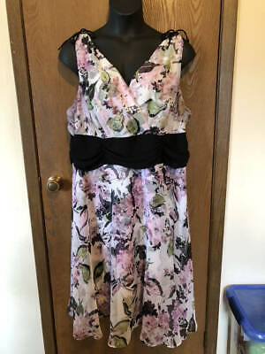 Connected Woman Black, White, Lilac Sleeveless Floral Dress -