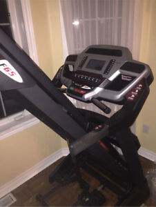 Heavy duty sole f65 treadmill (negotiable)