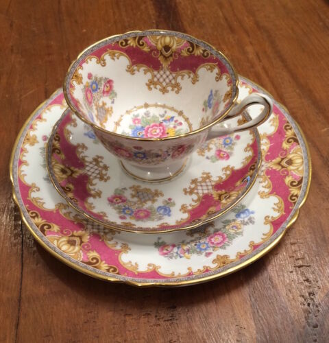 Shelley Sheraton Red/Pink Trio Plate, Teacup And Saucer