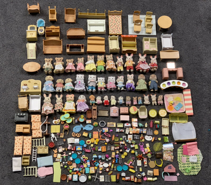 HUGE Calico Critter Lot 300+ Pieces Animals Furniture Babies Accessories +