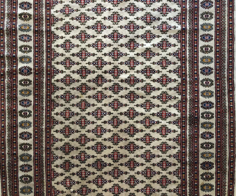 Beautiful Bokhara - Vintage Pakistani Rug - Tribal Oriental Carpet - 4.3 X 6 Ft