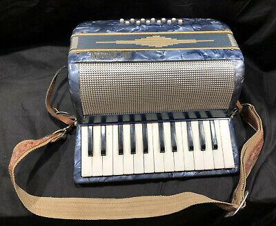 Vintage Moreschi Small Piano Accordion Very Nice Made In Italy