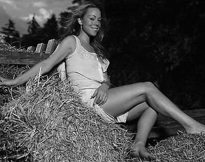 Mariah Carey Unsigned 8x10 Photo (111)